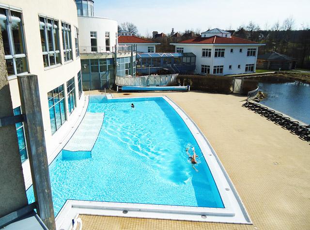 Schwimmbad Außenpool