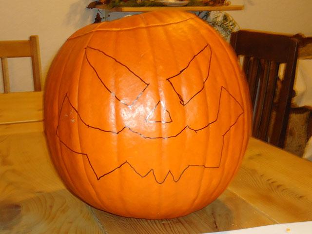 Halloween Kürbiskopf vorzeichnen